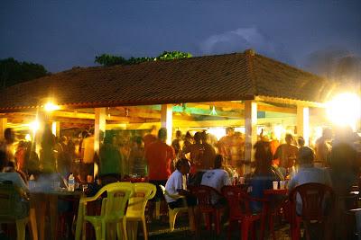 O bar a noite