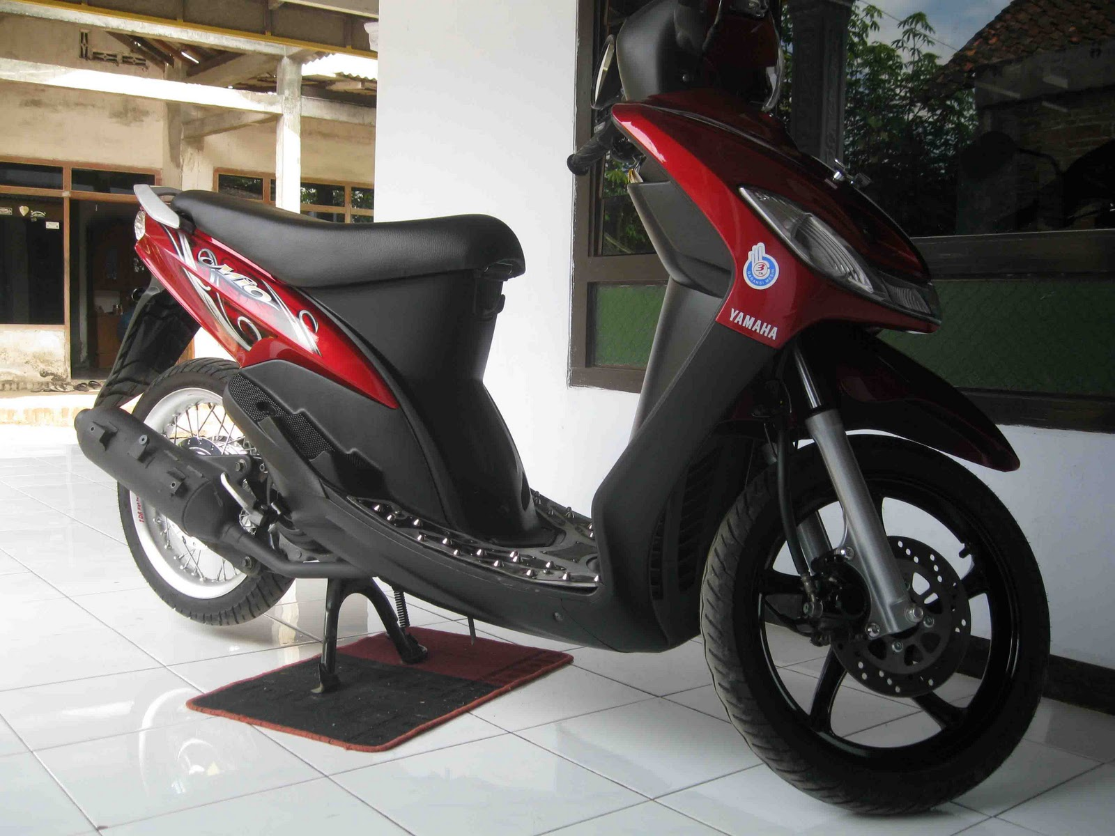 http://1.bp.blogspot.com/_O2yBU8xAC-k/TLzol5x49-I/AAAAAAAAAB8/8QnBZb05kts/s1600/mio-sporty-velg-TDR-Racing.jpg