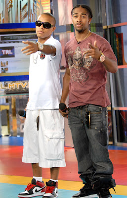 14626299lovenjones813200733120PM Bow Wow & Omarion Appear On TRL
