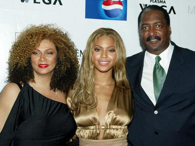 Beyonce's Mom Tina Files For Divorce
