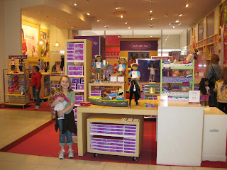 American Girl American Girl stores in Dallas TX - Hours, locations and phones Find here all the American Girl stores in Dallas TX. To access the details of the store (locations, store hours, website and current deals) click on the location or the store name.