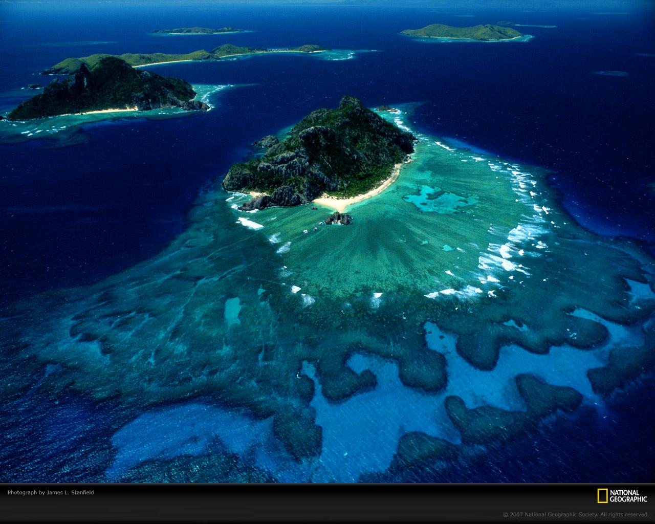 http://1.bp.blogspot.com/_O6IB679bdHA/SwPIMLgnhjI/AAAAAAAAAYs/OV2rY81evCI/s1600/fiji-islands-melanesia-aerial-498216-xl.jpg