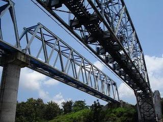 progo2 Hanya Ada 2 Jembatan Sejenis Jembatan KA Sungai Progo di Dunia
