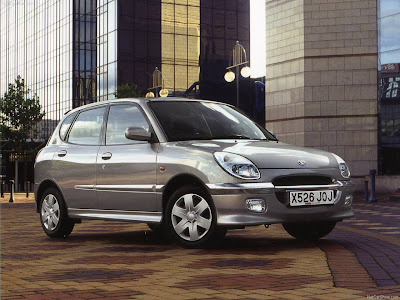 http://1.bp.blogspot.com/_O7cXwCXM-E4/SlumB1LsHhI/AAAAAAAAW4Q/7AM5hULyNGE/s400/Daihatsu-Sirion_1999_1280x960_wallpaper_01.jpg