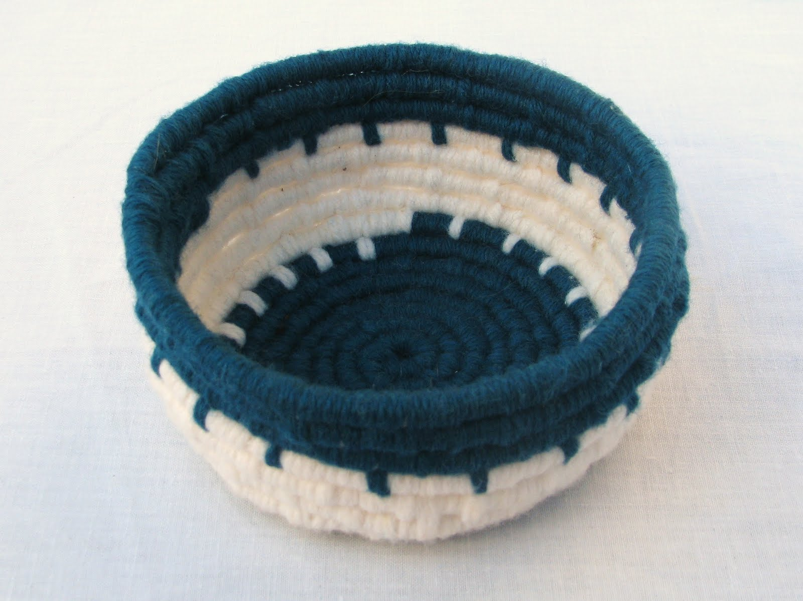 Woven Yarn Basket : Grandma s art day simple basket weaving using yarn
