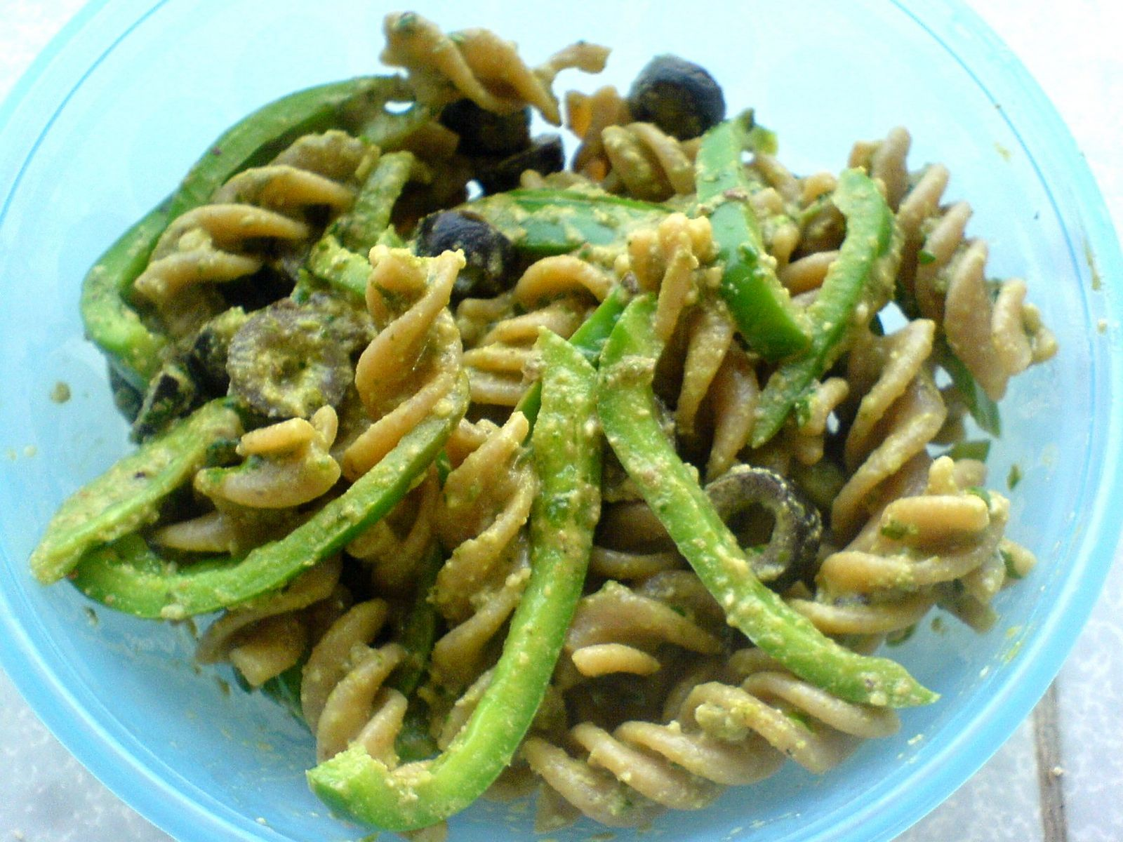 RAWk Me!: Basil Walnut Pesto Pasta with Peppers and Olives