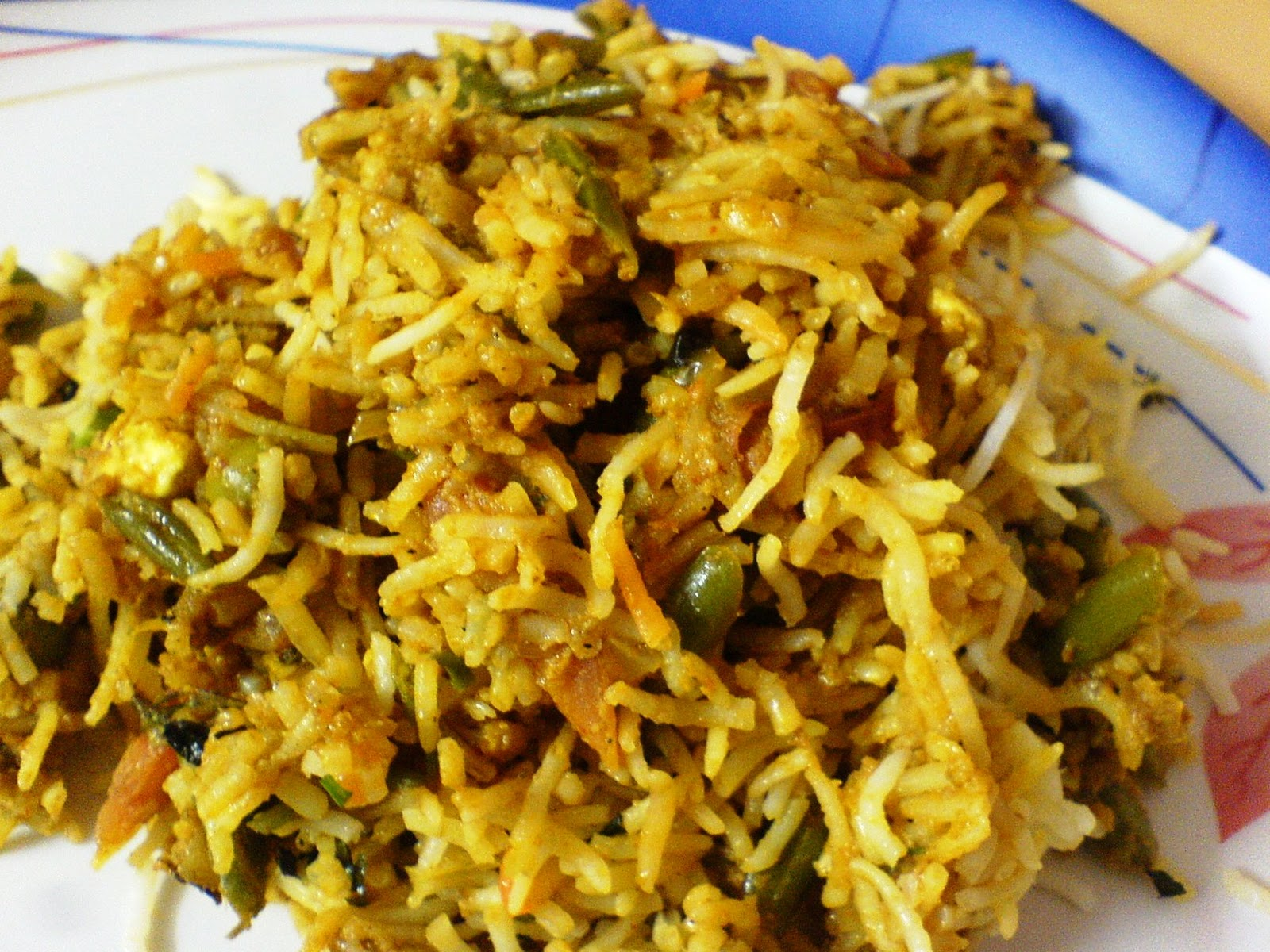 RAWk Me!: Veg Biryani and Cabbage, Onion, Tomato Upma