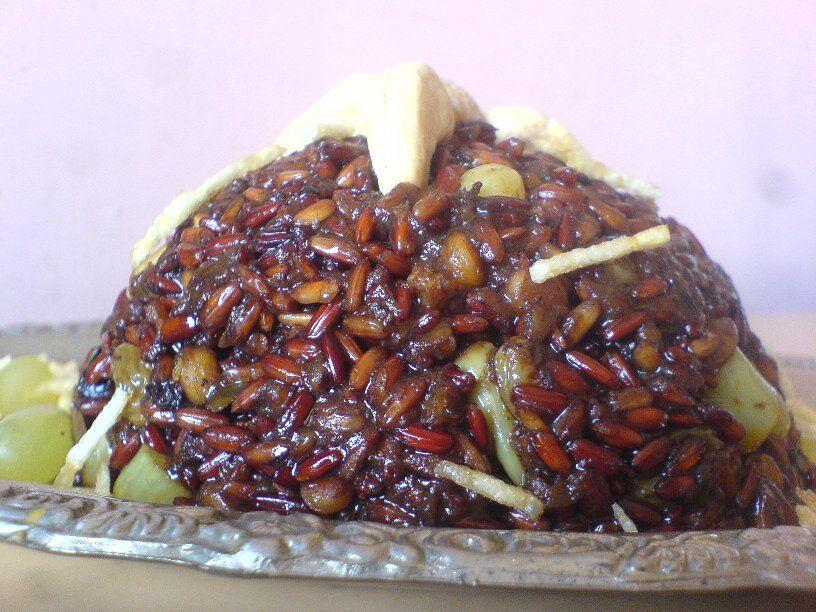 RAWk Me!: Onion, Cinnamon, and Dry Fruit Pilaf