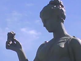 """Escultura """"La Primavera"""""""