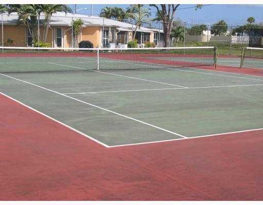 [Tennis.jpg]