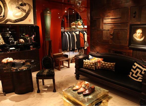 chic in paris dries van noten men 39 s store ellegant home design. Black Bedroom Furniture Sets. Home Design Ideas