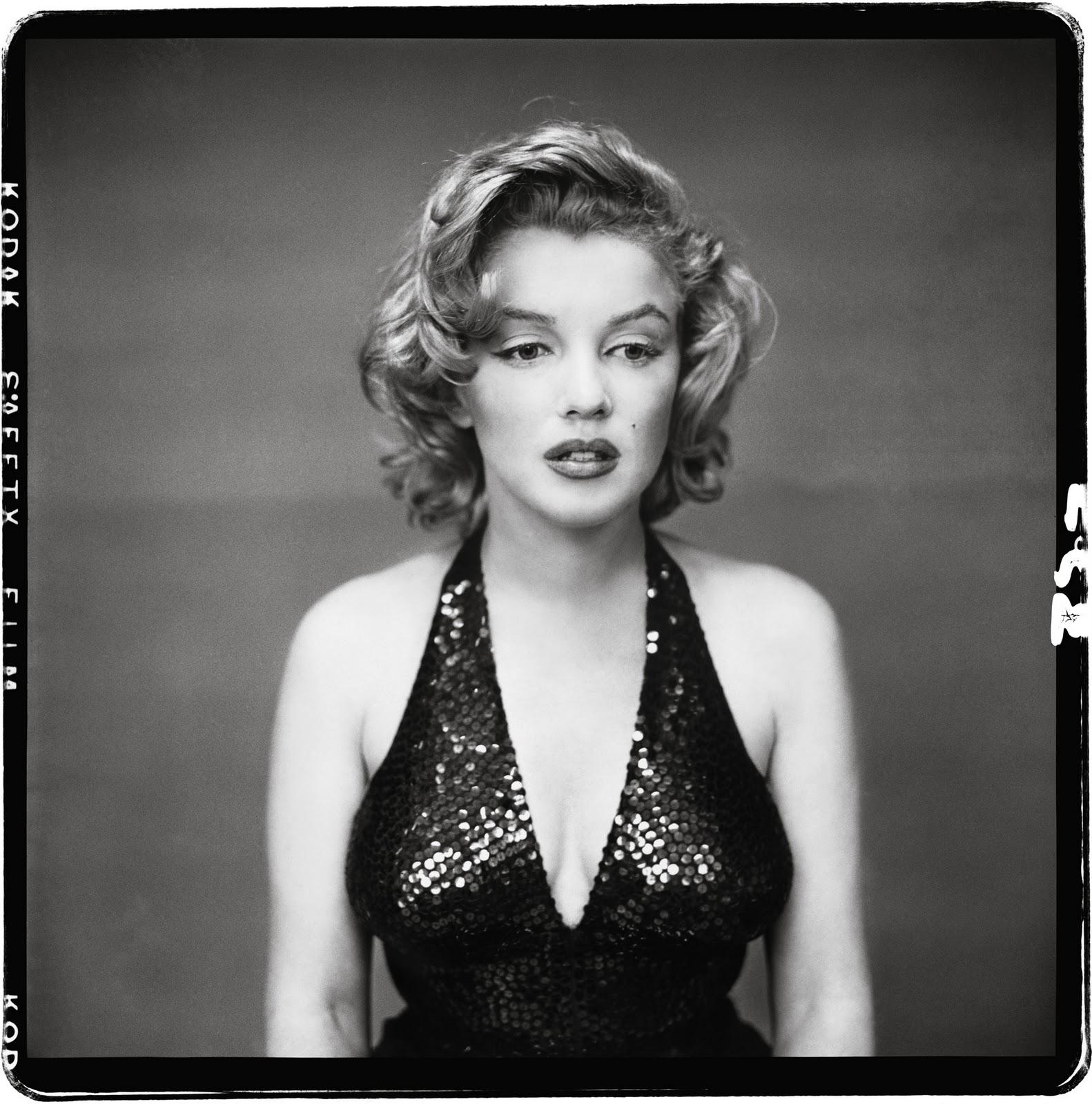 http://1.bp.blogspot.com/_OAh4Xl94vrU/TKNL3AUbIiI/AAAAAAAAYGI/fz10q3sjXiI/s1600/Marilyn+Monroe,+actor,+New+York,+May+6,+1957.jpg