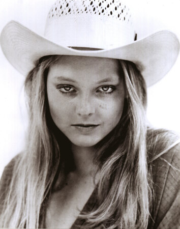 jodie foster Jodie Foster's gay? never knew that.... she's beautiful though