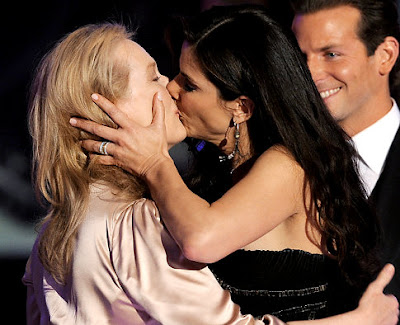Meryl Streep and Sandra Bullock Kiss At Critics' Choice Awards