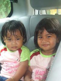 Dua Anak Dara Pingitan