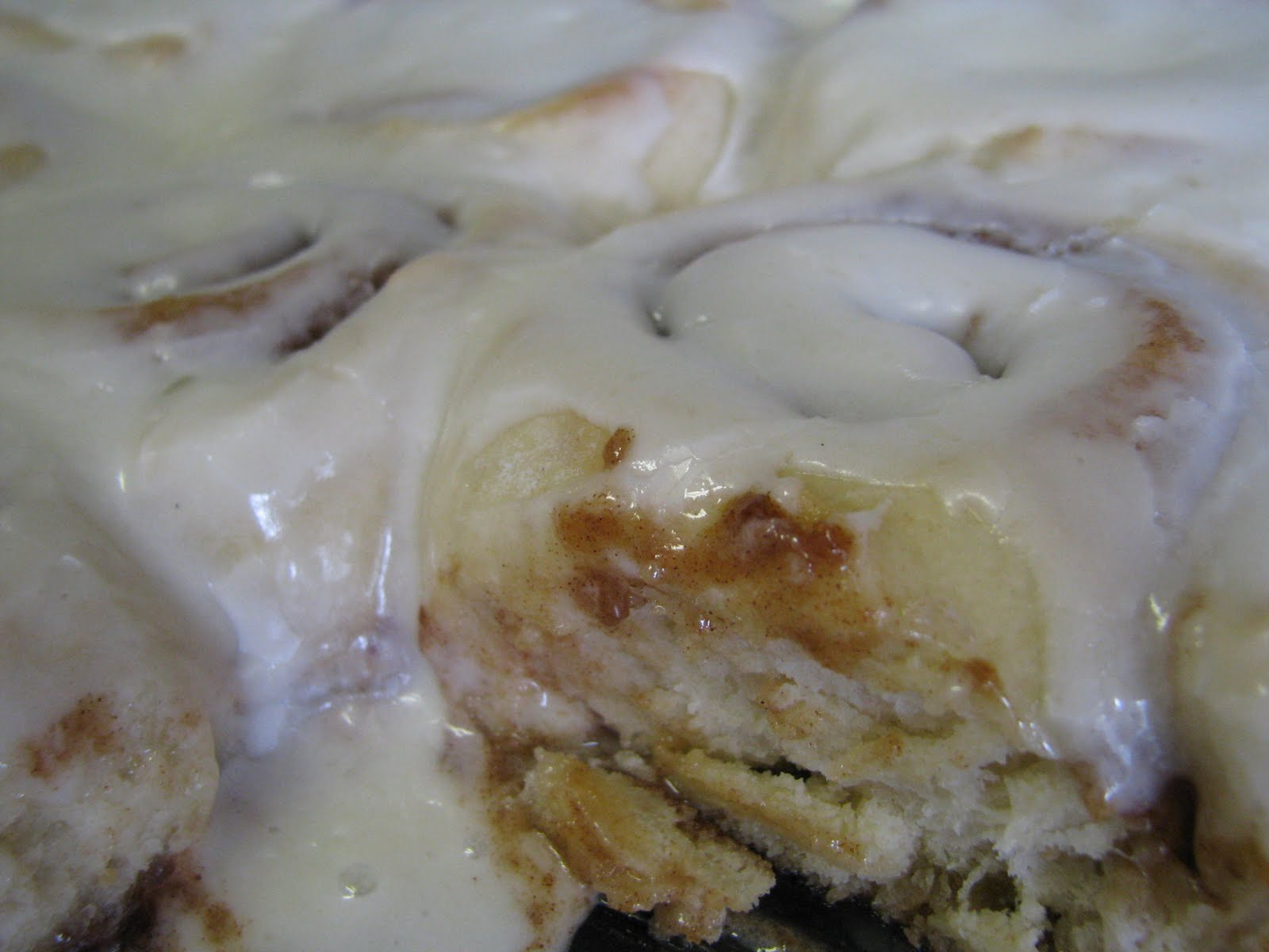 So We Think We Can Cook!: Everyday Cinnamon Rolls