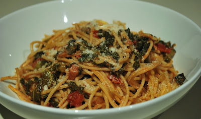 Passion Foodie: Spaghetti with Tomato Braised Kale