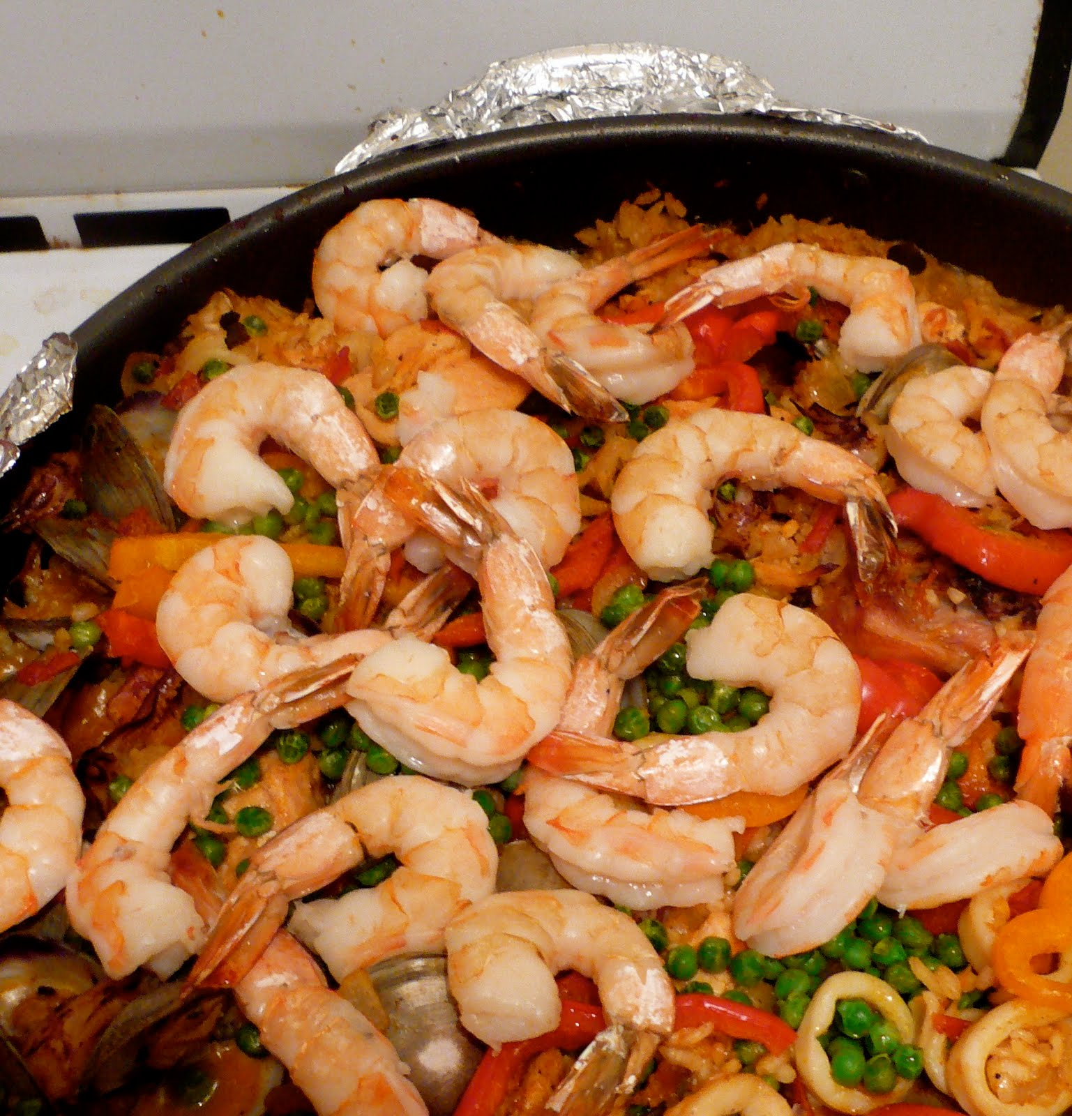 Bacon Concentrate: Seafood Paella (or Paella Valenciana), on the Grill ...