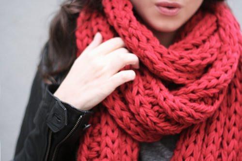 Otra tendencia que me encanta de este invierno son las bufandas enrolladas, cuanto mas gorda sea la bufanda y mas enrollada mejor!