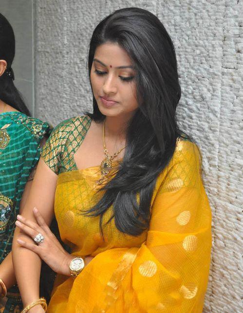 South Indian Actress Sneha Hot Sexy