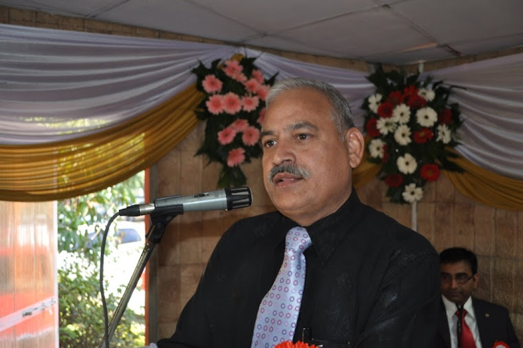 Captain (IN) Jatinder Kumar, Principal SSBJ, addressing