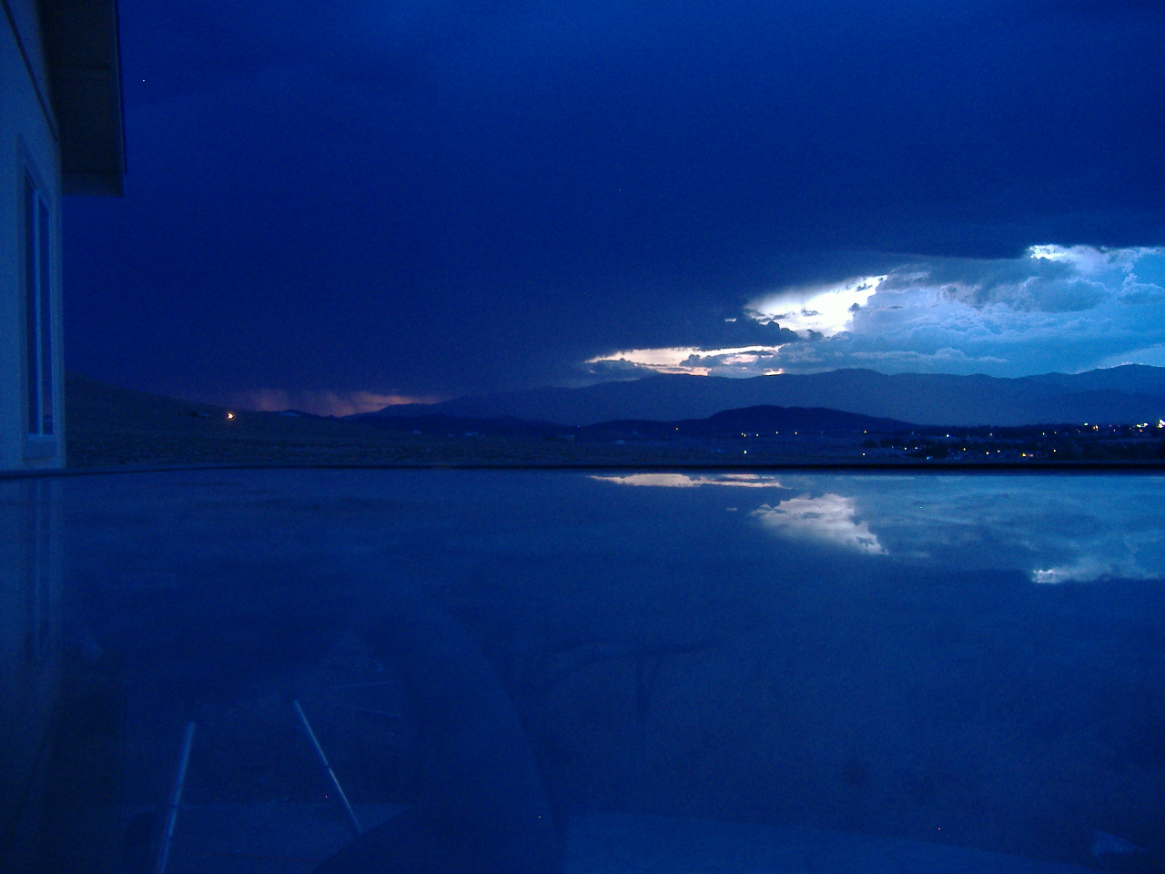 [electric+storm+011.JPG]
