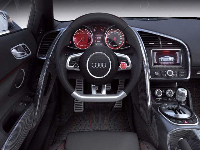 Audi R8 interior Specs