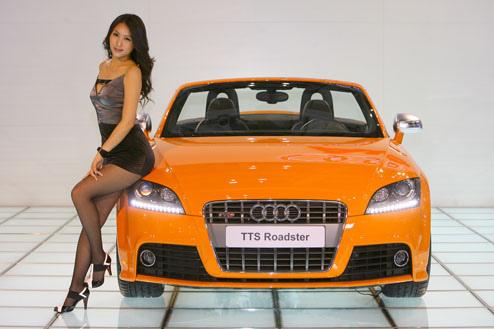 Luxury Sports Car Site Some Audi Babes Audi Girls