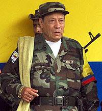 """Manuel Marulanda, também conhecido como """"Tirofijo"""" (tiro certeiro)"""