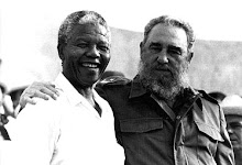 Fidel com Nelson Mandela, membro do partido Congresso Nacional Africano - CNA