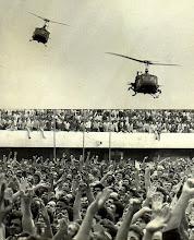 Helicópteros do exército sobrevoam o Estádio da Vila Euclides, em São Bernardo do Campo/SP