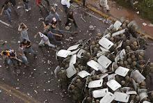 Povo de honduras resiste à repressão dos golpistas