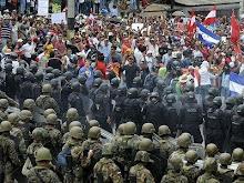 Milhares nas ruas por democracia