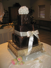 3-tier oversized square fondant