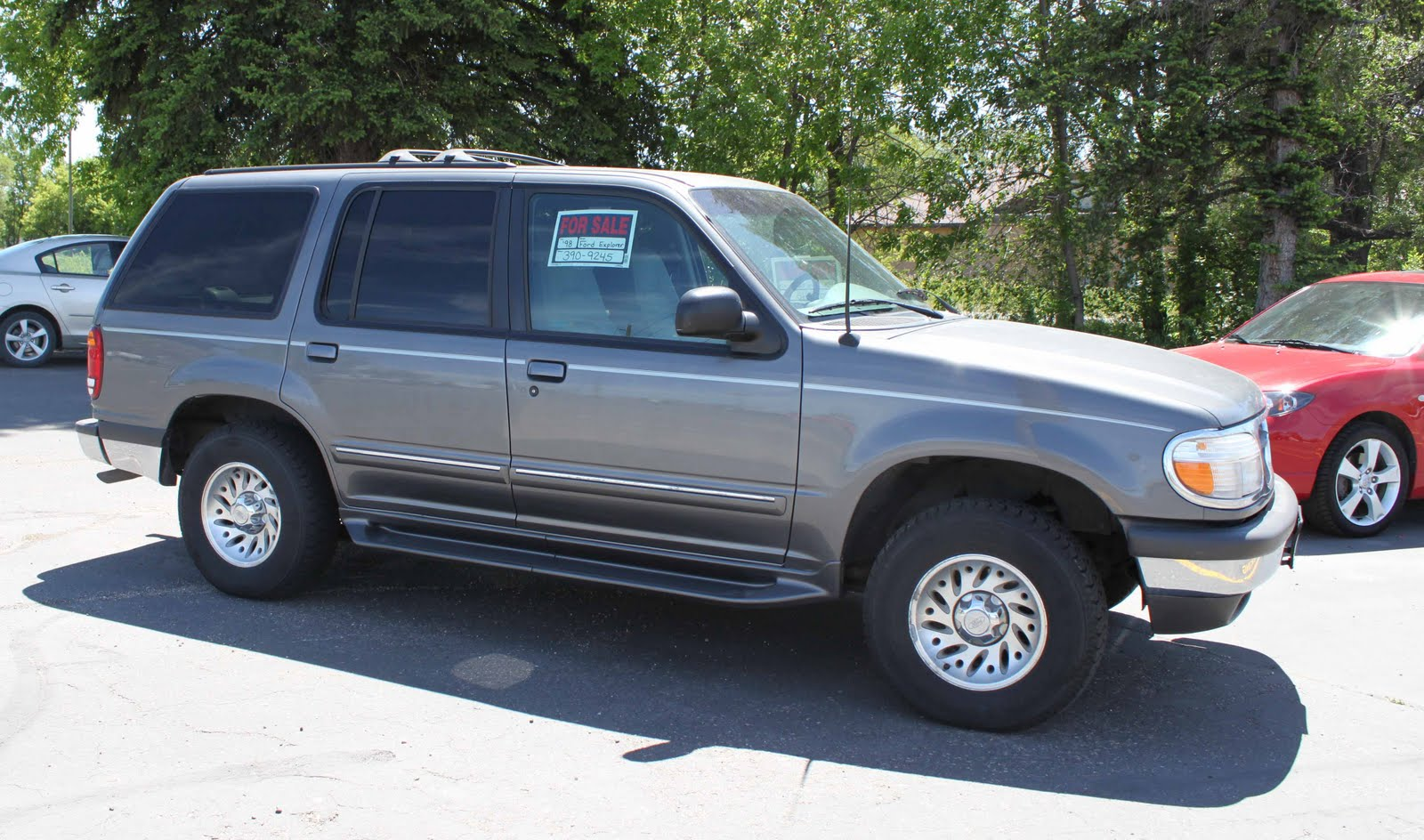 millssale 1998 ford explorer xlt 4000 obo. Black Bedroom Furniture Sets. Home Design Ideas