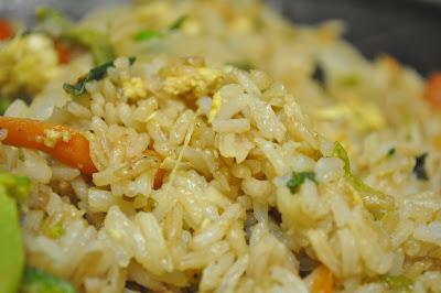 Se puede cocinar un huevo en el microondas