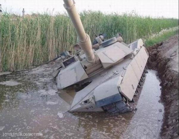 Tank Baja Kalah Sama Kubangan Kebo
