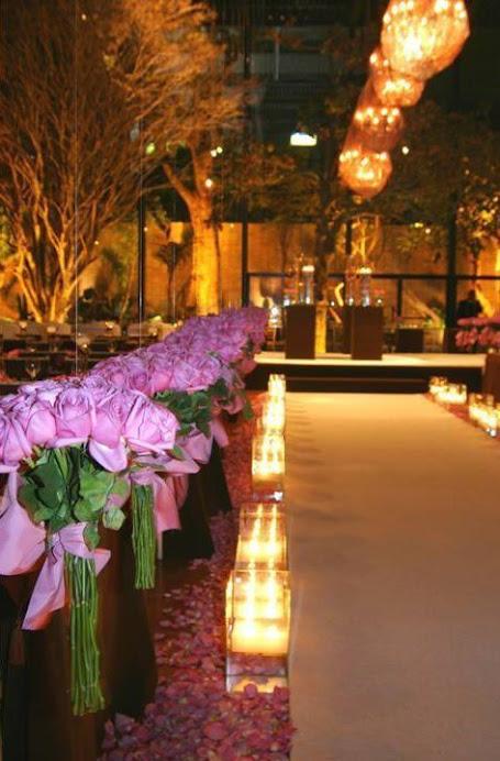 Decoração da igreja com rosas liláses 1