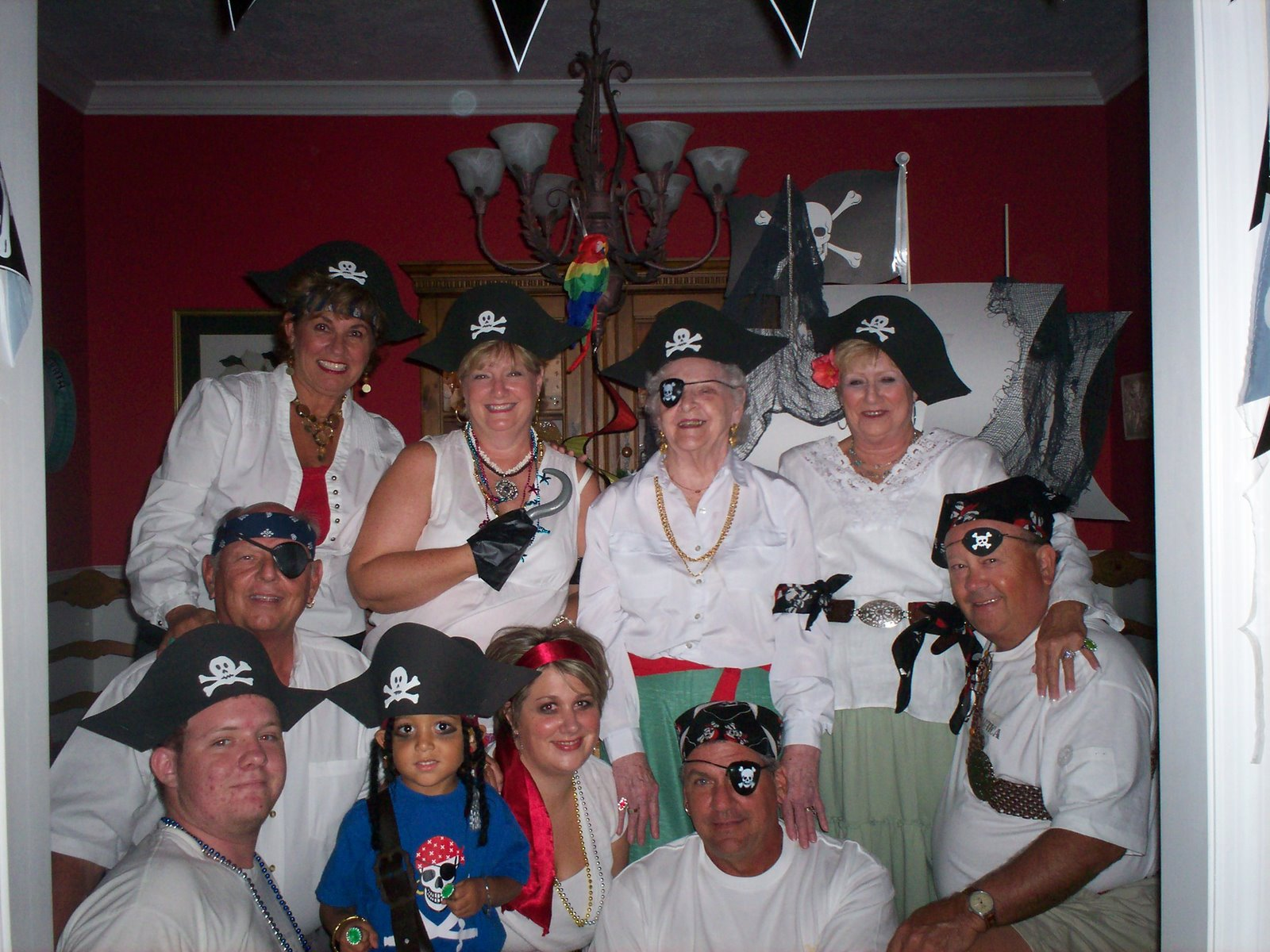 [2007+AUGUST+PIRATE+PARTY+AT+GAGA]