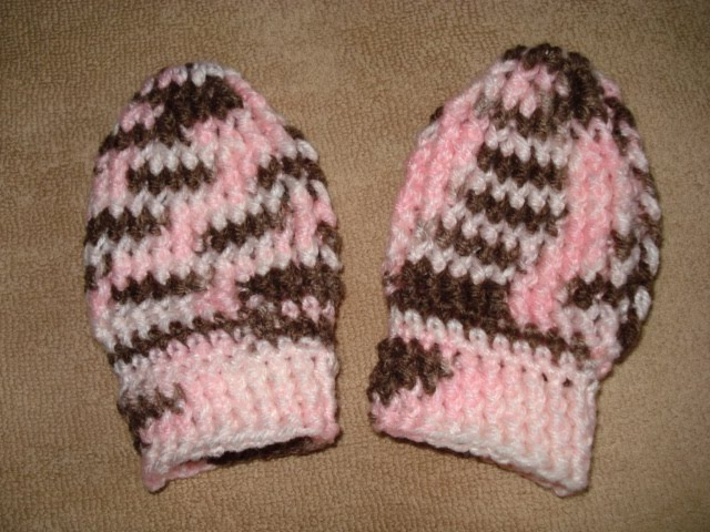 Free Crochet Pattern For Thumbless Mittens : Stitch it out!: Thumbless Baby Mitts