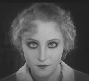 If you have never watched Brigitte Helm in Fritz Lang's Metropolis, well, you're missing out.