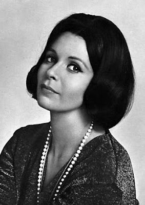 Starlet showcase claire bloom s eyes