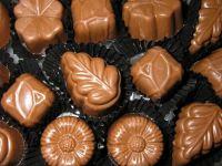 CHOCOLATE BUTTON (RM1.30 SEBIJI - tidak termasuk kotak)
