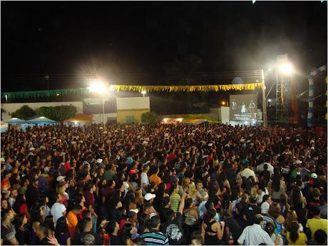 FESTA DO MUNICÍPIO,  SHOW DO LIMÃO COM MEL EM 02.05.2010