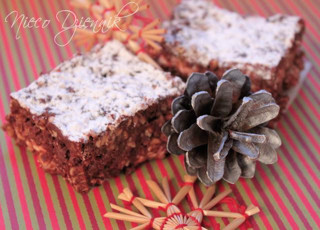 ciasto christmas rocky road bez pieczenia z piankami marshmallow