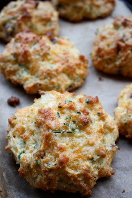 bacon, cheddar and chive biscuit recipe