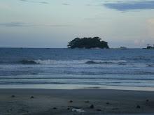 Pantai Depan Rumah jer nie.. Pulau Ular..