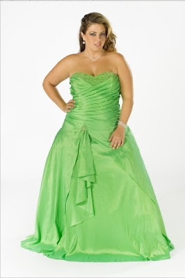 NikStar's Guide To Plus Size Prom Dresses