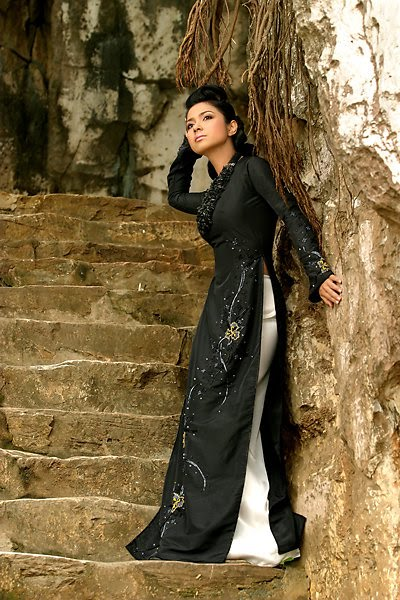 vietnamese model viet trinh in ao dai photo gallery