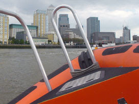 zipping around Limehouse Reach